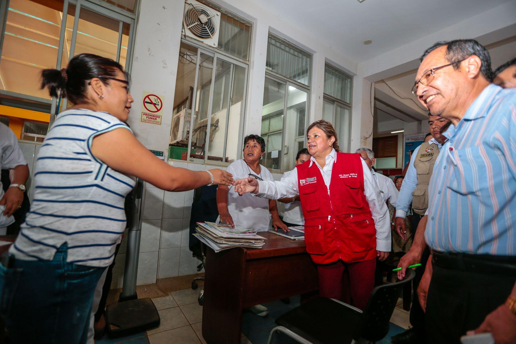 Ministra de Salud, Zulema Tomás anuncia la construcción de dos nuevos hospitales en Madre de Dios. Así mismo visitó centros de salud de la región para conocer las necesidades de cada establecimiento.  Foto: MINSA