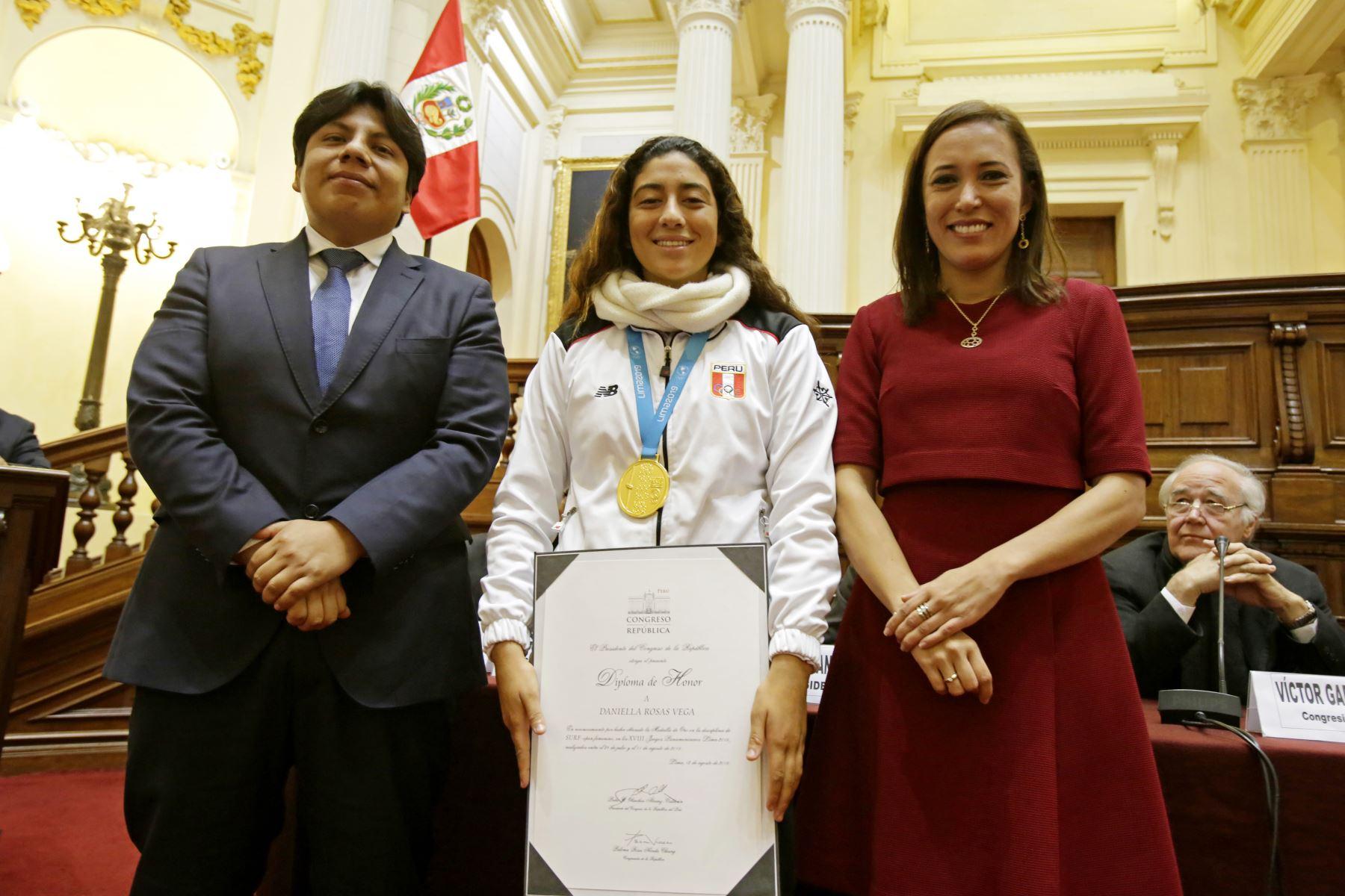 Medallistas Panamericanos reciben reconocimiento en el Congreso de la República. Foto: Congreso de la República