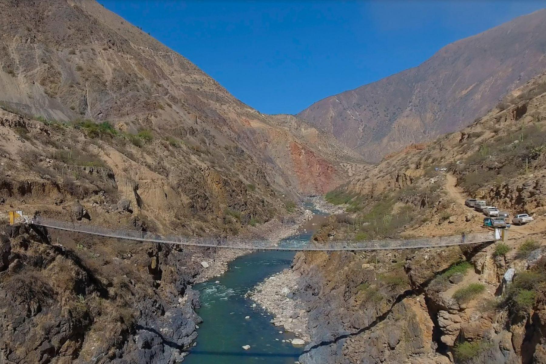 El MTC anuncia la construcción de puente Challhuan que unirá Ayacucho con Huancavelica.