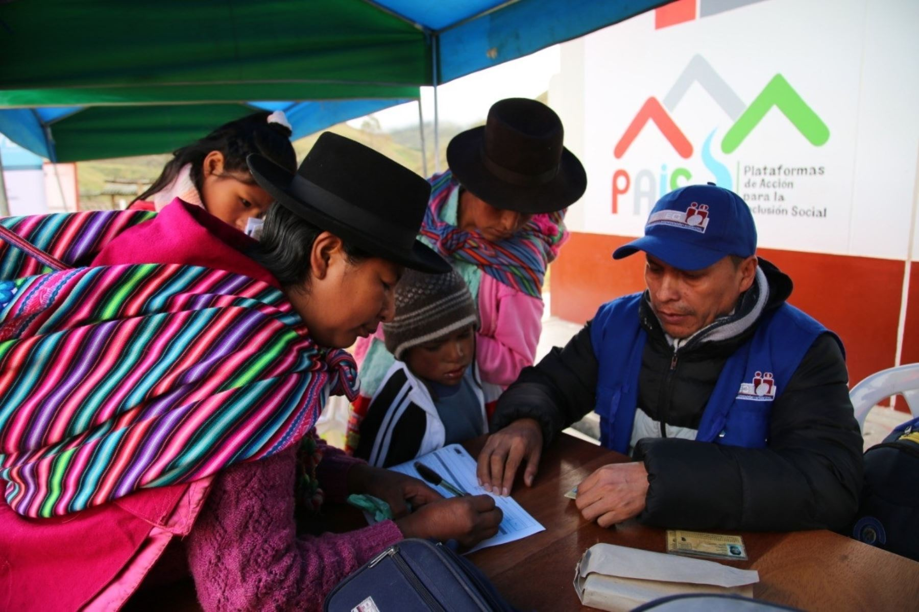 Pobladores de Ayacucho reciben atención integral en caravanas organizadas por el Midis. ANDINA/Difusión.