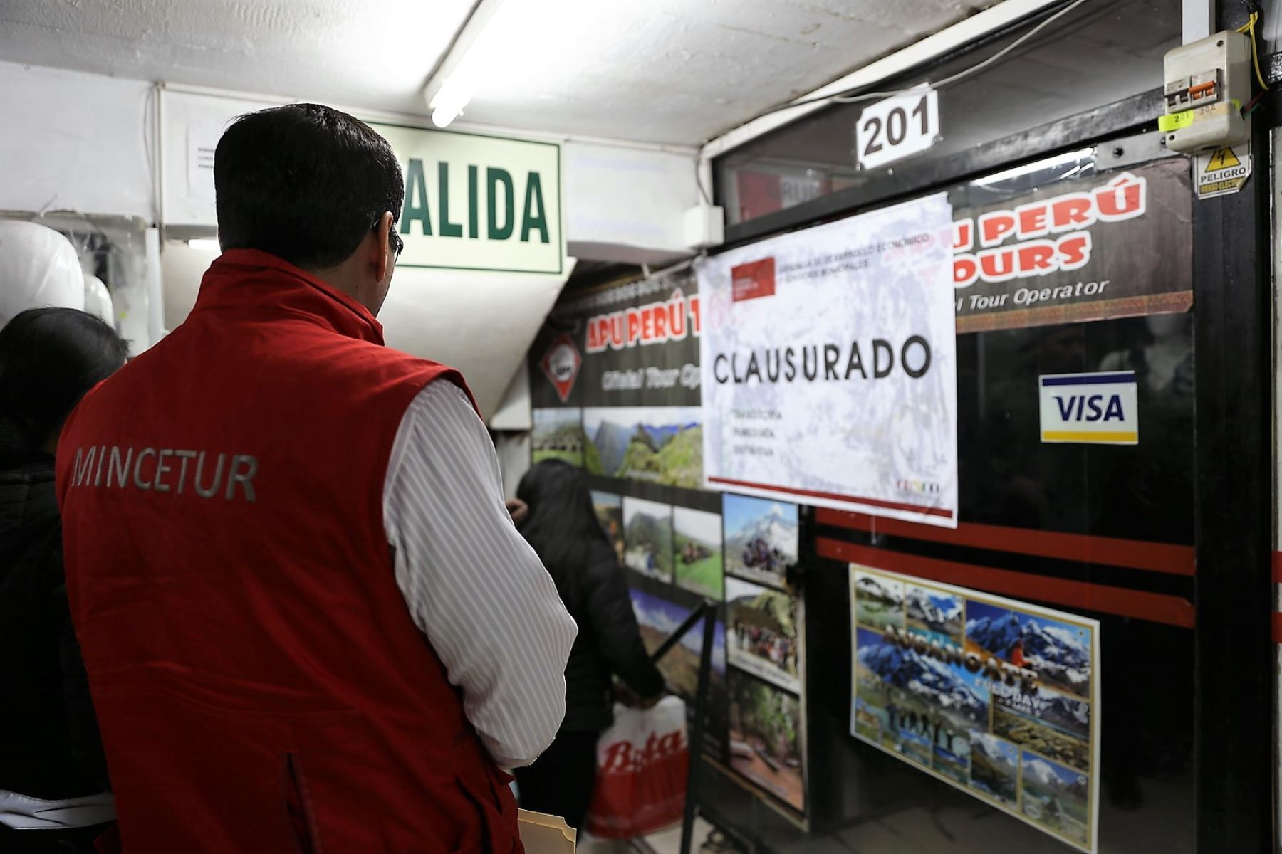 Mincetur lideró acciones de control y sanción contra agencias informales en el Cusco.