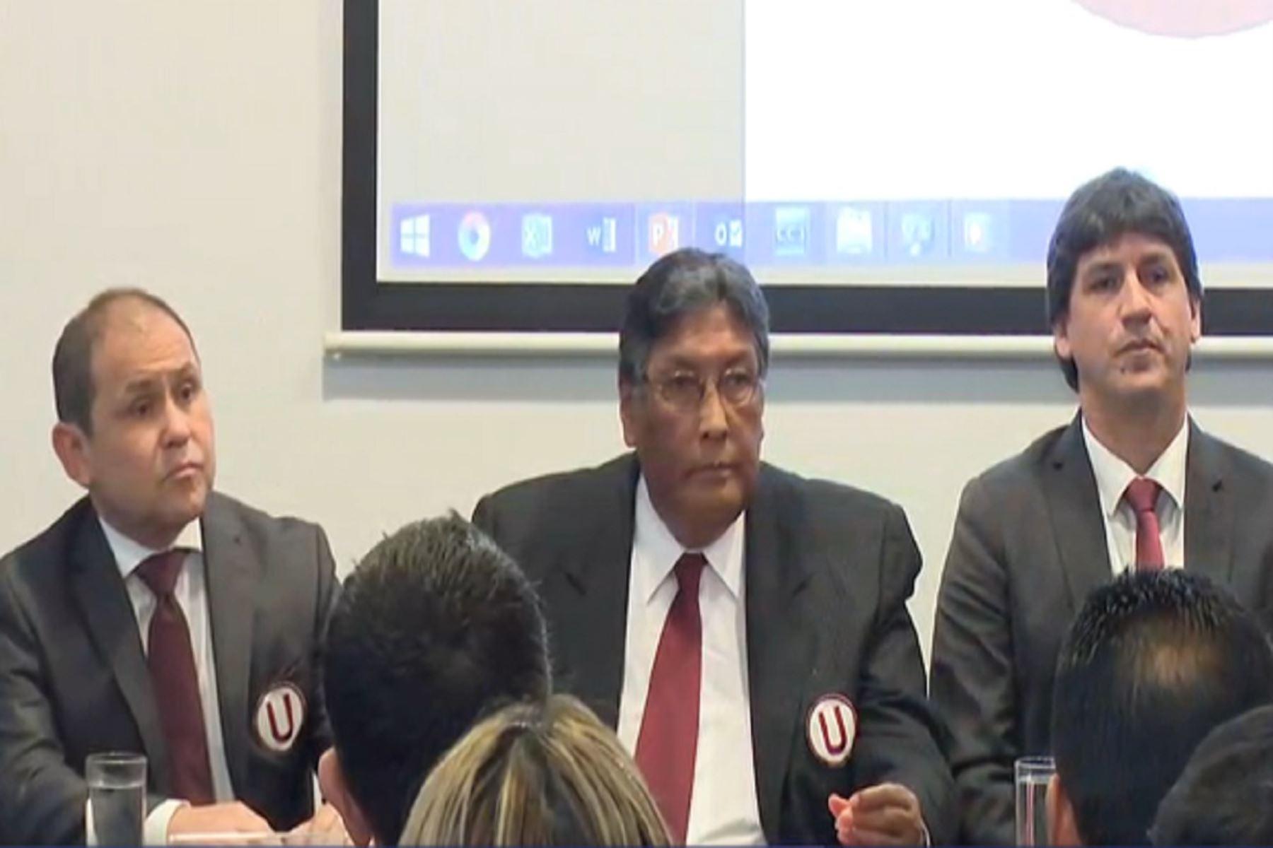 Humberto Leguía, Raúl Leguía y Jean Ferrari encabezan la administración de Universitario de Deportes. Twitter