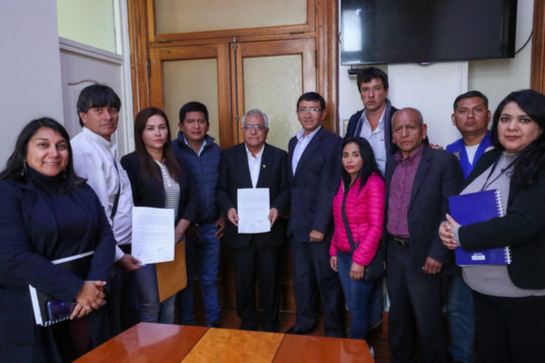 Autoridades y pobladores de Huarochirí sostuvieron reunión con funcionarios de la PCM.