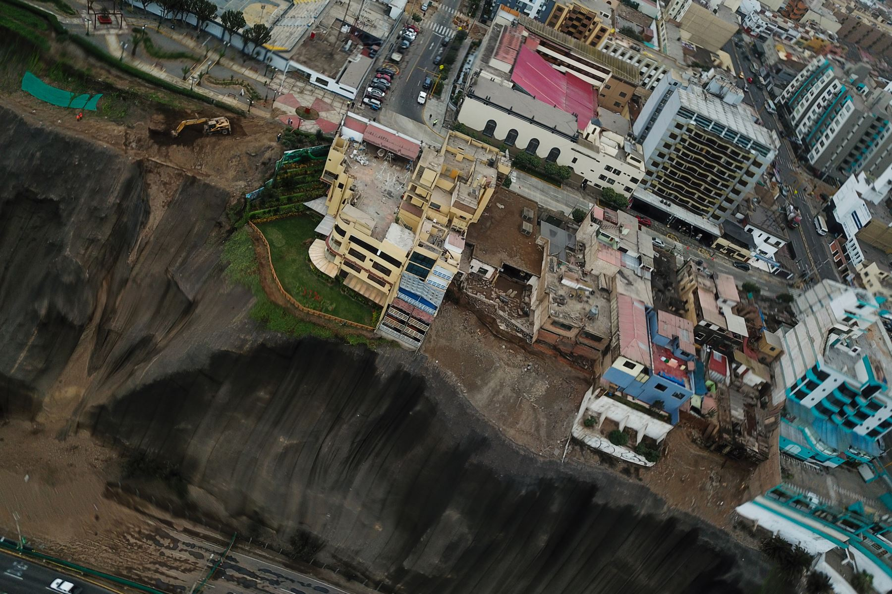 Entidades técnicas evaluarán situación de acantilados. Foto: ANDINA/Juan Carlos Guzmán.