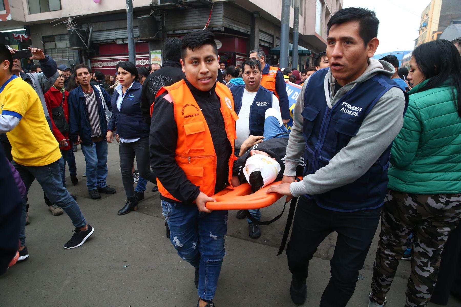 Alcalde de Lima lidera segundo simulacro nacional de sismo en los  jirones Cusco y Ayacucho, Mesa Redonda (Plaza Gastañeta).Foto: ANDINA/ Vidal Tarqui