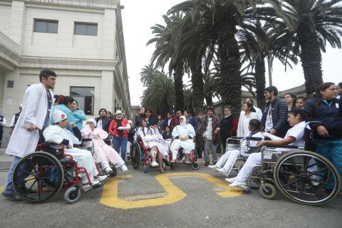 Simulacro nacional de sismo y tsunami en el Hospital Loayza