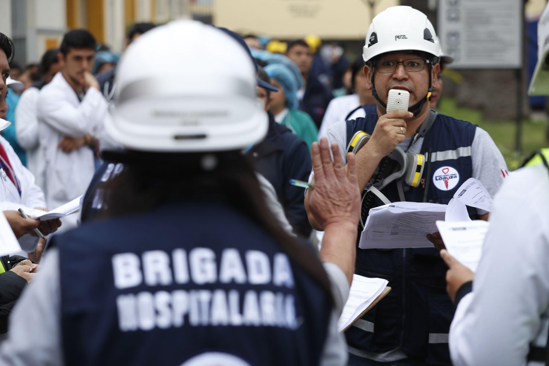 Brigada hospitalaria del Hospital Loayza. Foto: ANDINA/Josue Ramos