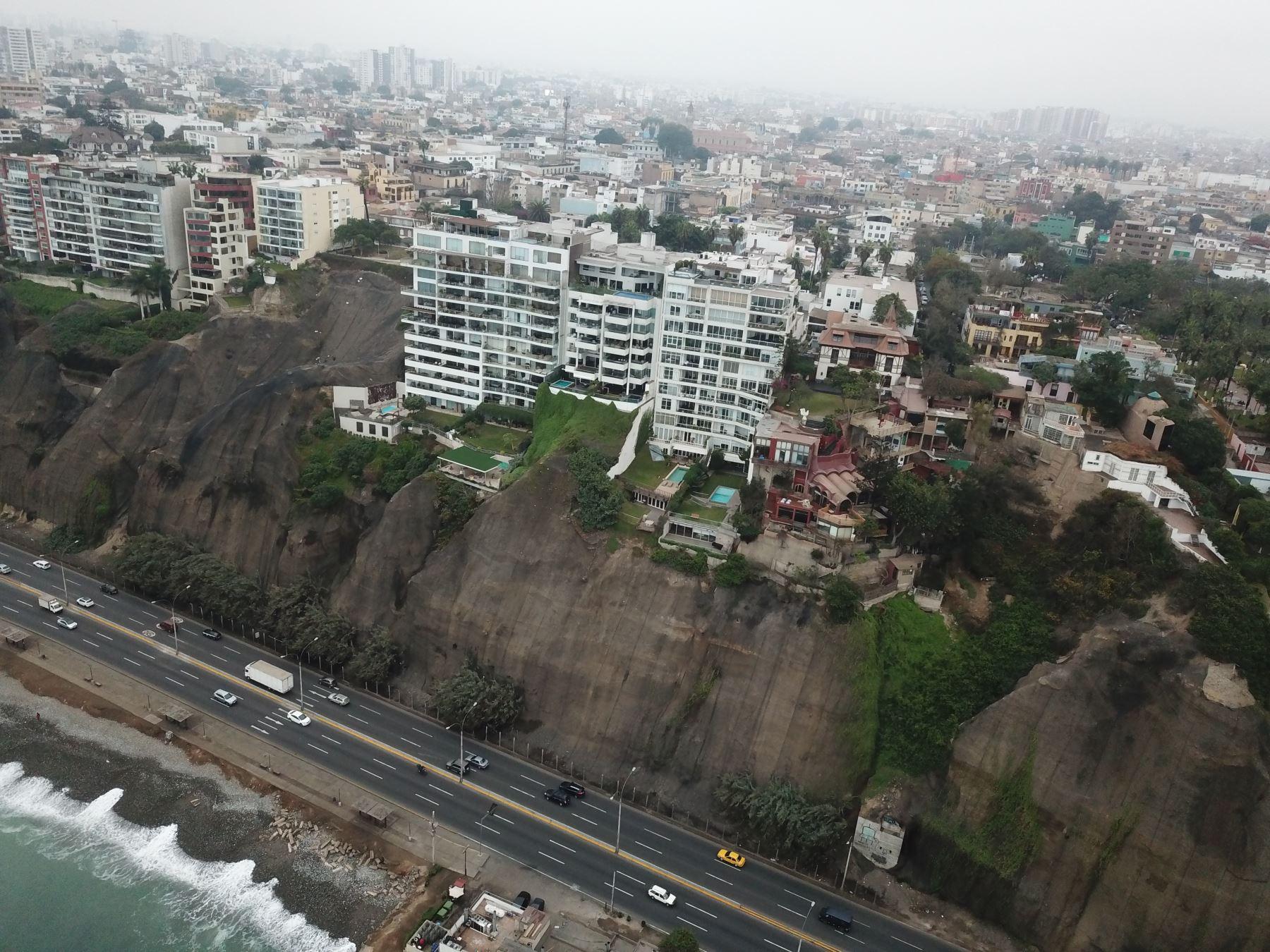 La costa central del Perú, la zona de Nazca y la franja costera ubicada en Moquegua y Tacna son las tres áreas de mayor riesgo en el país, indica Tavera. Foto: ANDINA/Juan Carlos Guzmán