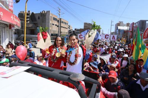 Reconocimiento con el Sol Libertario de Junín  a  Gladys Tejeda y Christian Pacheco ganadores en los juegos panamericanos Lima 2019