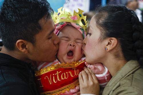 """EsSalud reunió a más de 30 bebés, para obtener la corona del """"Rey Mamoncito 2019""""."""