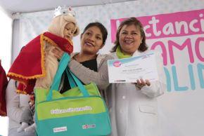 Ministra de Salud y Primera Dama premiaron a Bebés Mamoncitos 2019. Foto: ANDINA/Difusión.