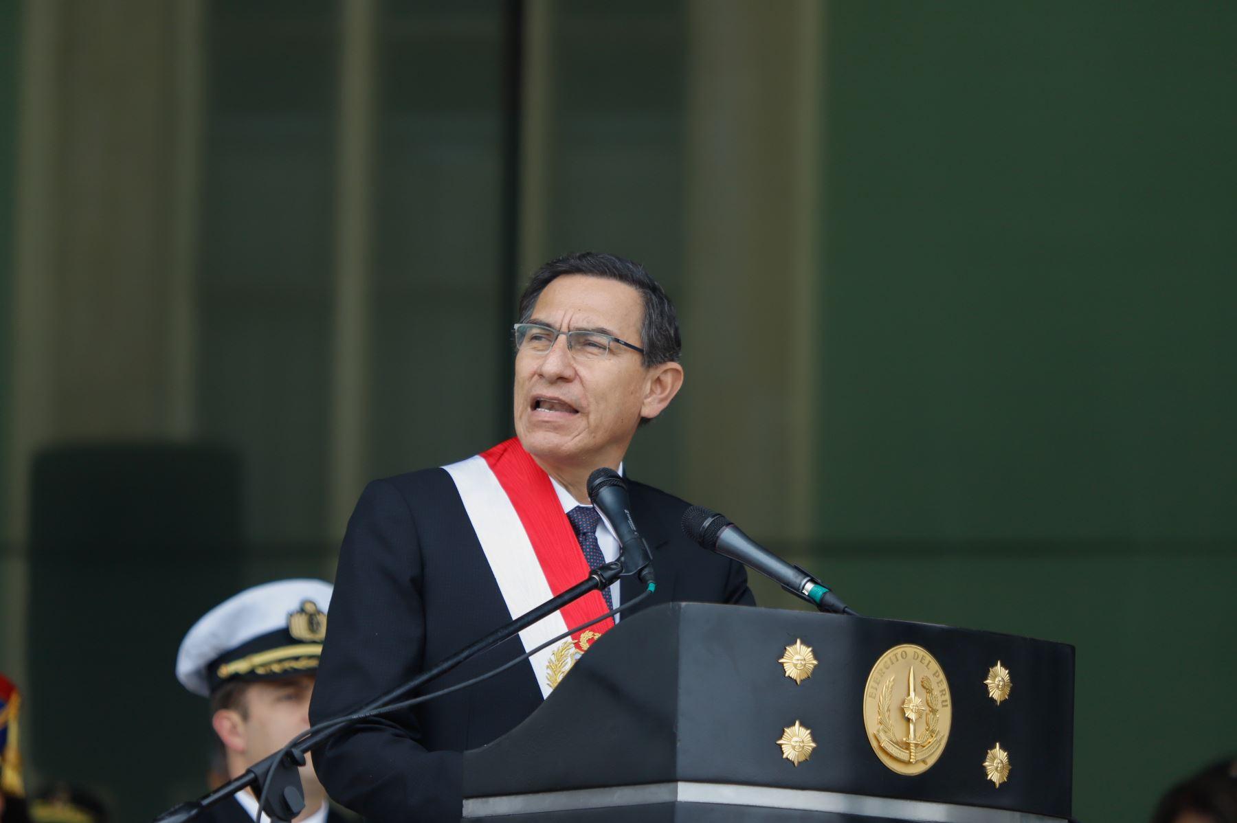 Presidente Martín Vizcarra presidió la ceremonia por el Día de la Creación del Ejército del Perú Republicano, en la explanada del Comando de Educación y Doctrina del Ejército.Foto.ANDINA/Prensa Presidencia