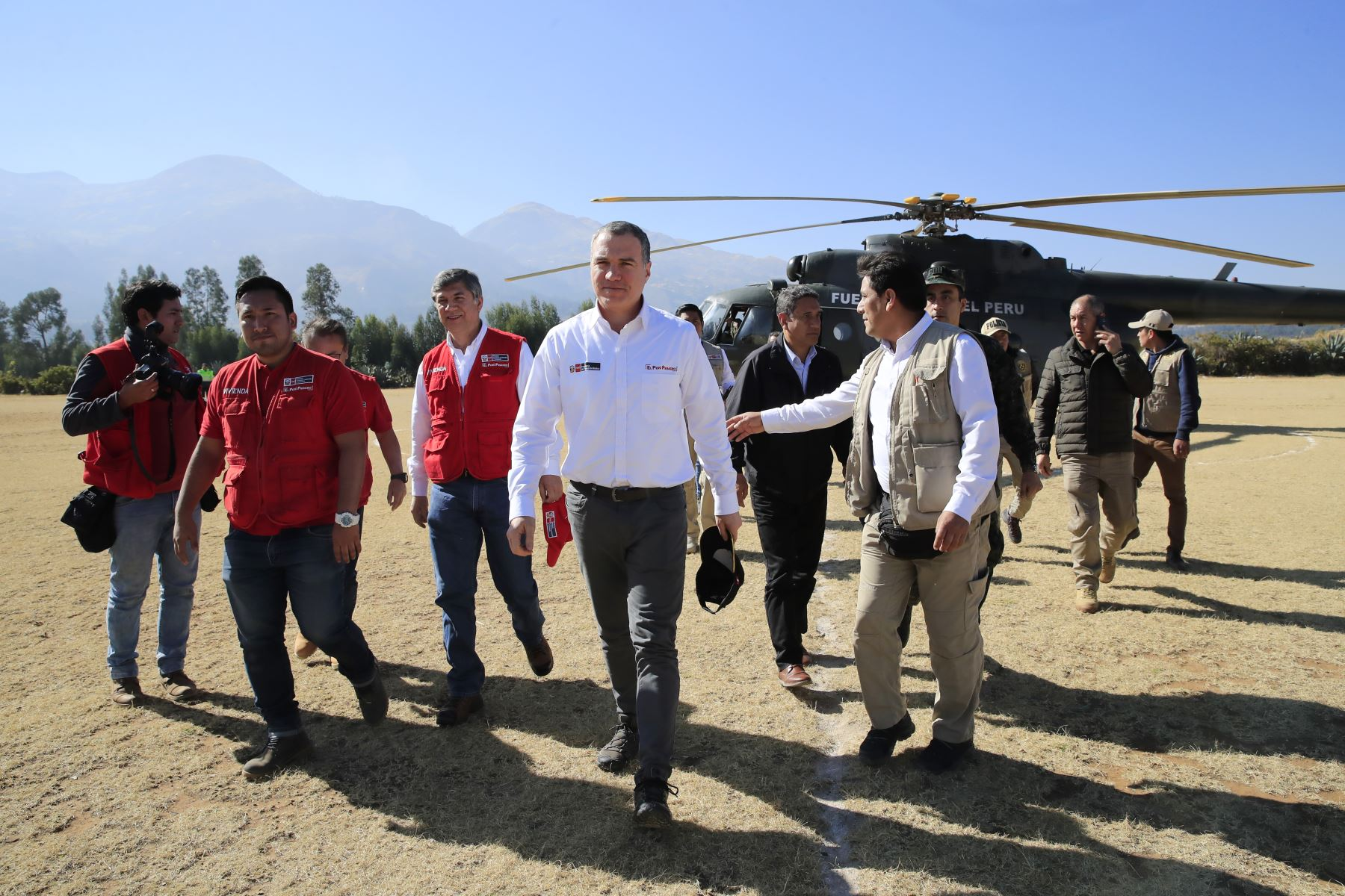 Presidente del Consejo de Ministros, Salvador del Solar y el Ministro de Vivienda, Miguel Estrada, entregaron 140 viviendas de emergencia a damnificados del sector de Pampa Grande, Cajabamba- Cajamarca. Foto: ANDINA/Juan Carlos Guzmán