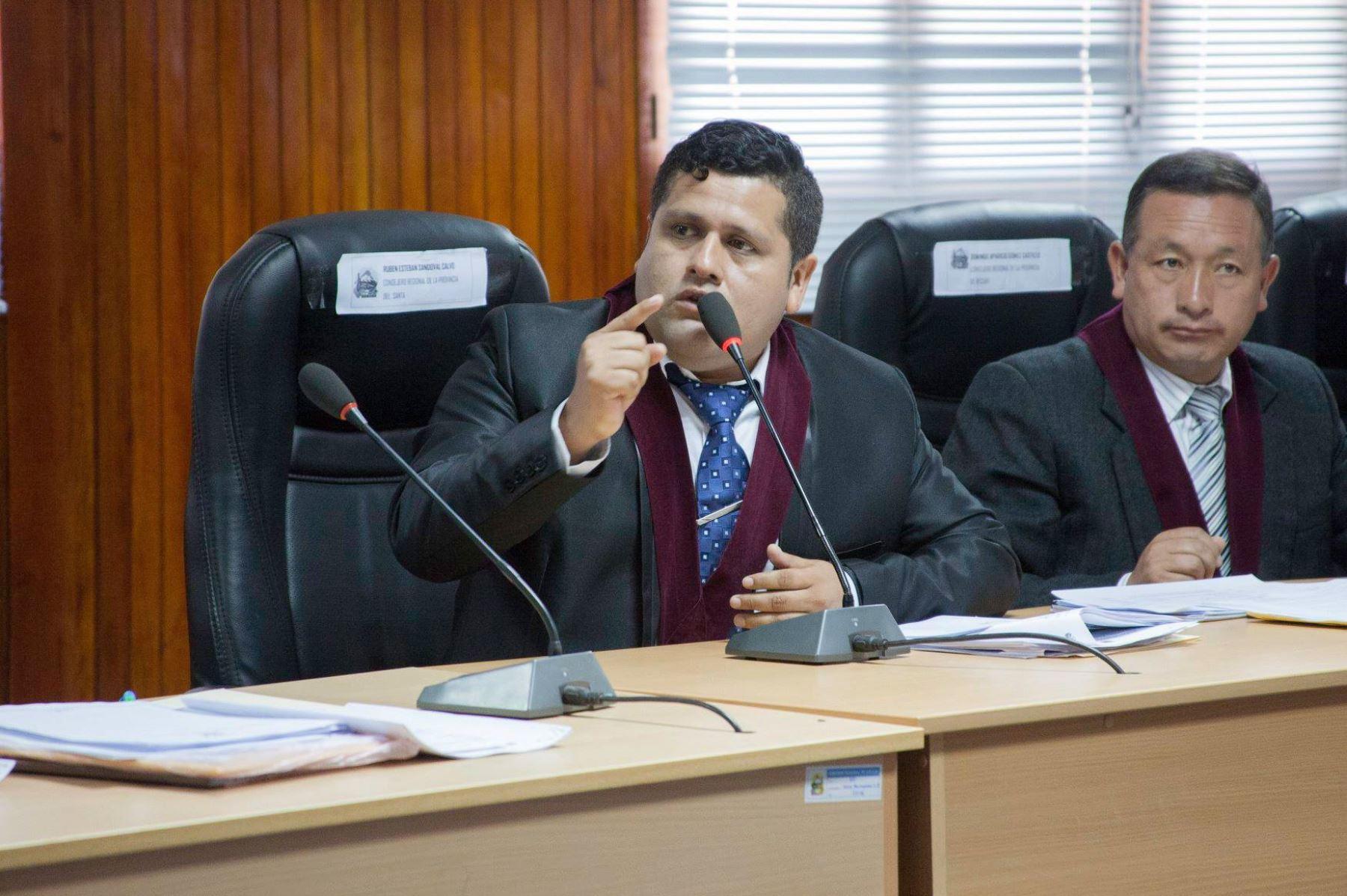 El consejero regional de Áncash Rubén Esteban Sandoval Calvo fue sentenciado por el delito de colusión simple. Foto: ANDINA/Gonzalo Horna