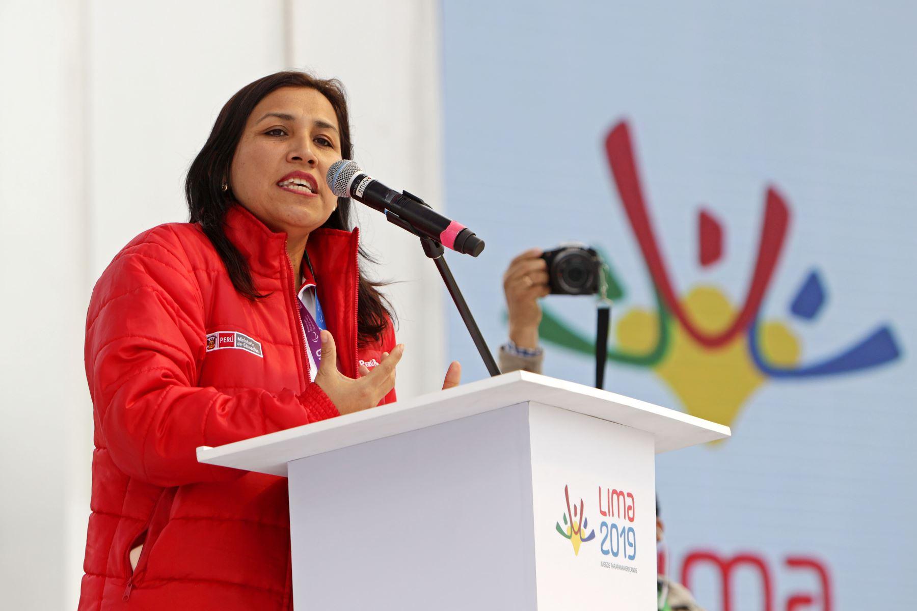 La ministra de Educación, Flor Pablo Medina  da la bienvenida a la  delegación de deportistas que participarán en los Juegos Parapanamericanos Lima 2019. Foto: ANDINA/Lima 2019