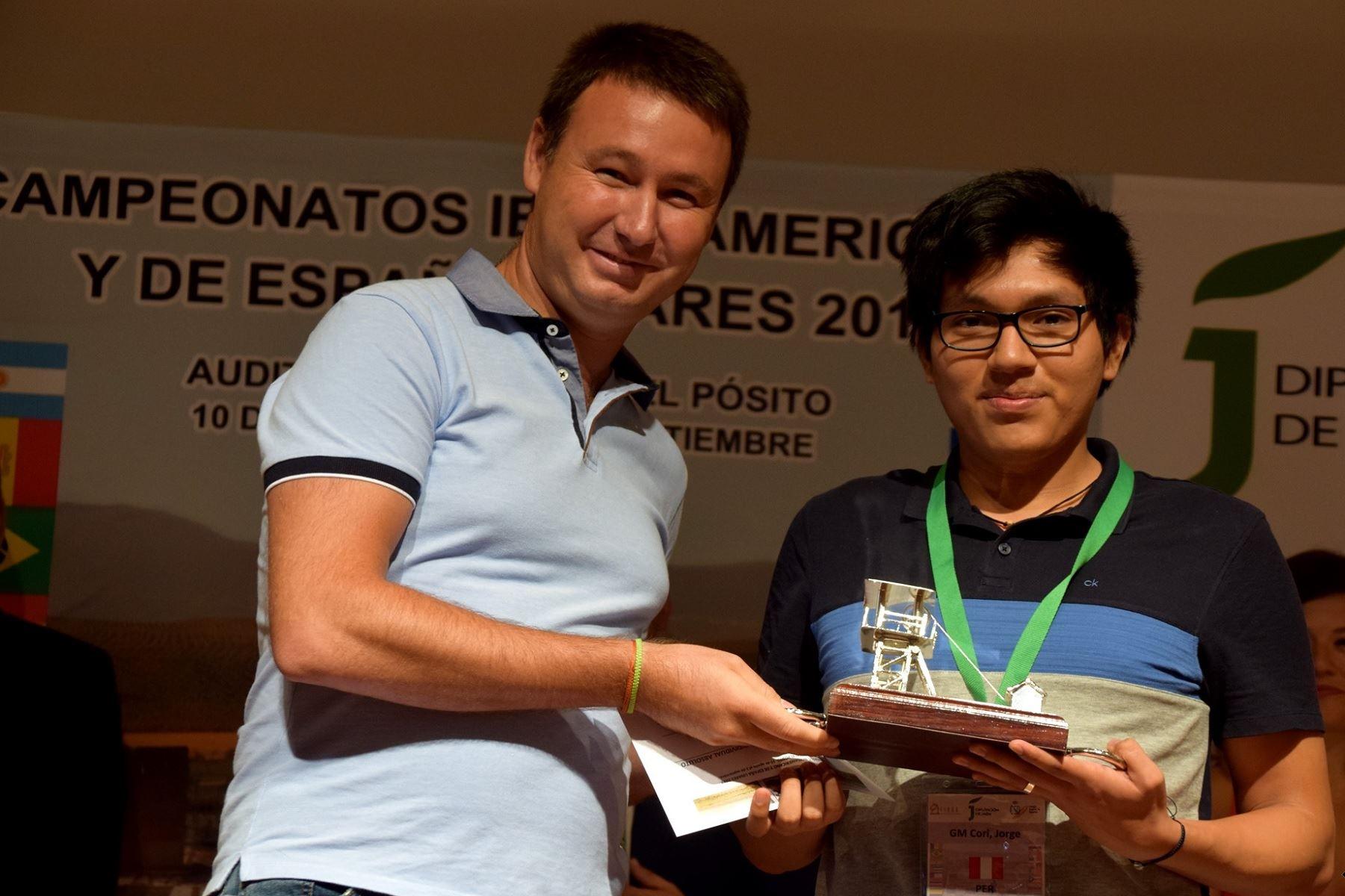 Jorge Cori ganó este fin de semana el Iberoamericano de Linares. Foto: Facebook/FEDA
