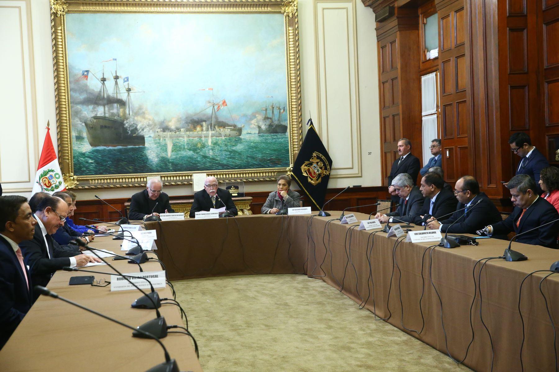 Instalación de la Comisión de Relaciones Exteriores, congresista Carlos Tubino es elegido presidente de la comisión. Foto: ANDINA/Melina Mejía