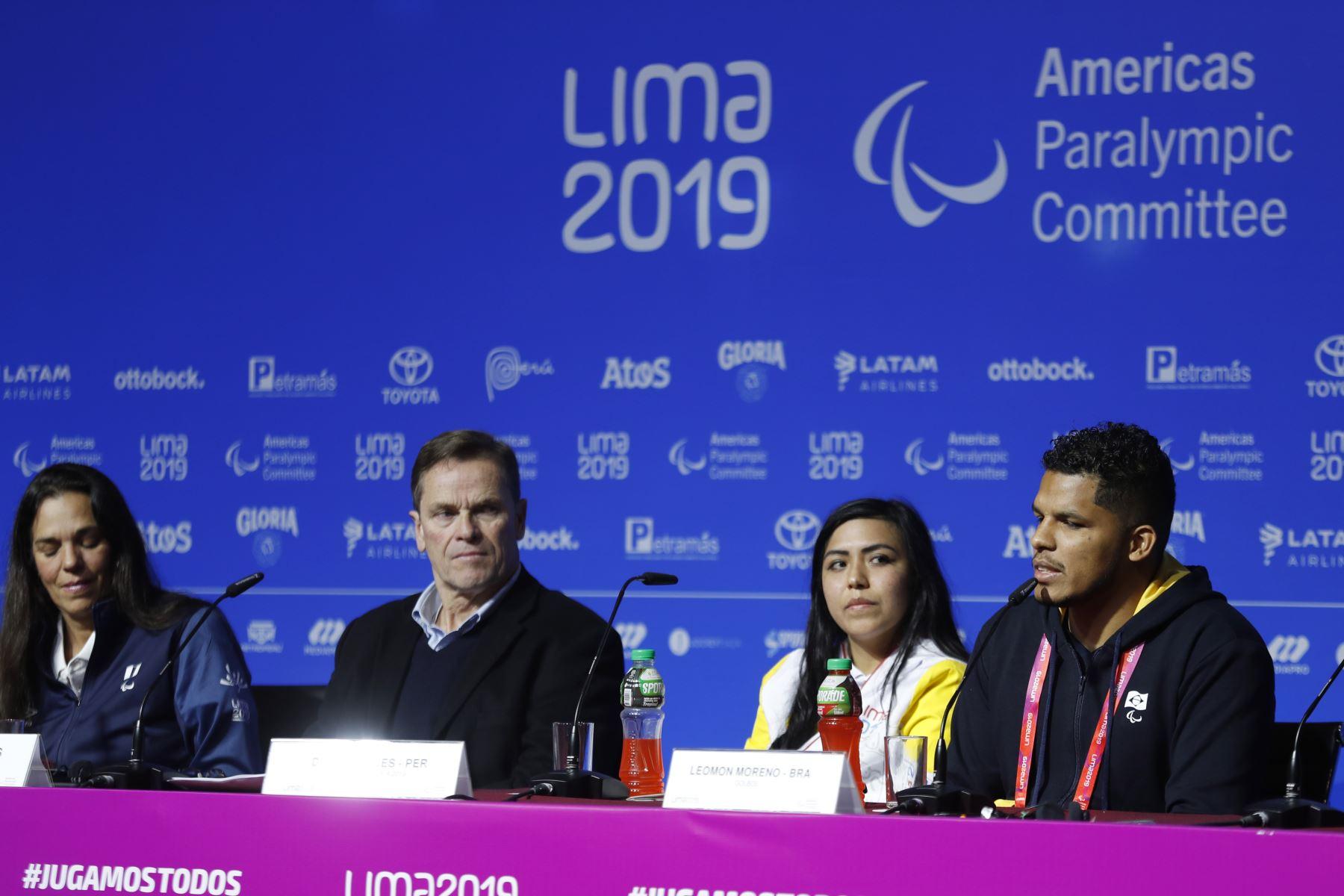 Presentación de la ruta de la Antorcha Parapanamericana, presentada por el Presidente del COPAL, Carlos Neuhaus y Luisa Villar, Presidenta de la Asociación Nacional Paralímpica del Perú. Foto: ANDINA/Josue Ramos