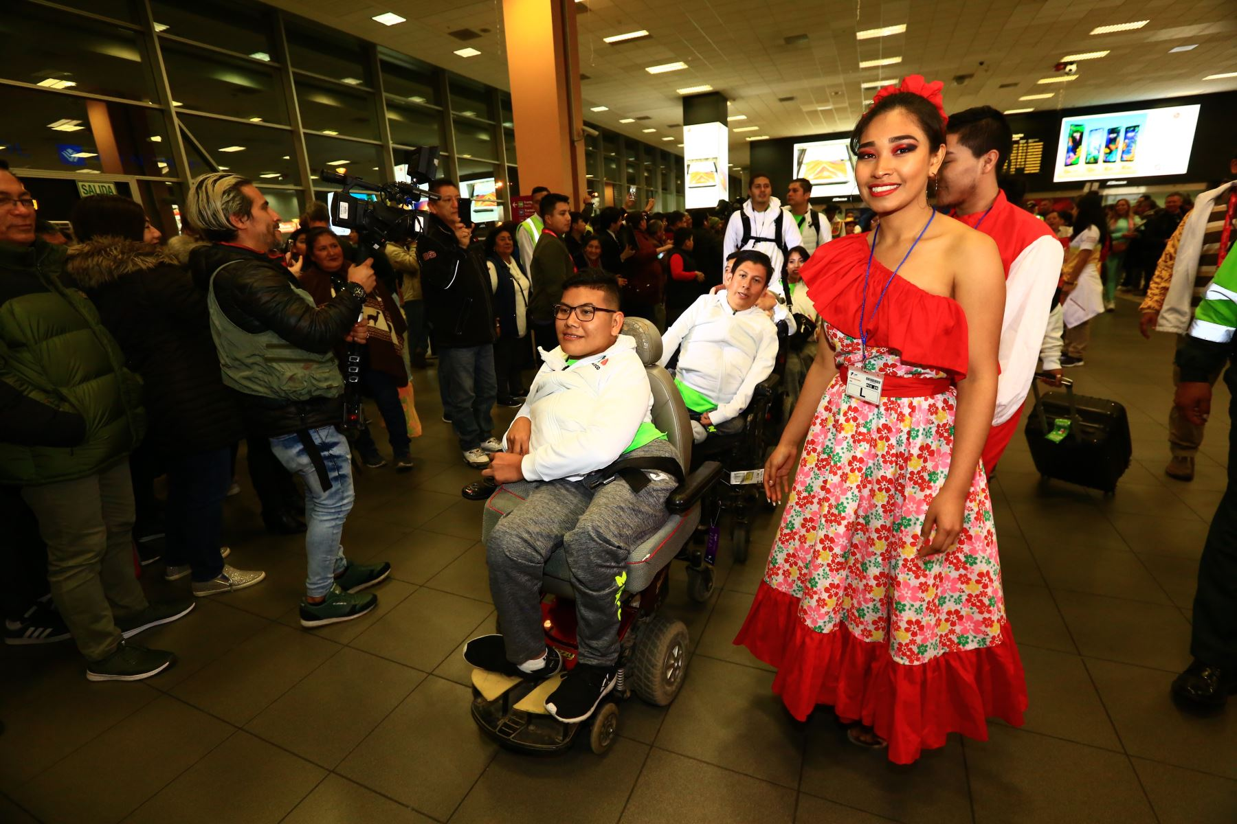 Reciben a delegación de México que llega para los Parapanamericanos  Lima 2019 al ritmo de música peruana .Foto: ANDINA/Pedro Cardenas