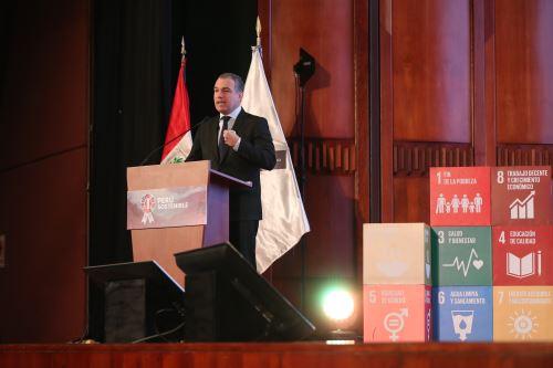 """Presidente del Consejo de Ministros, Salvador del Solar inaugura foro """"Perú Sostenible"""""""