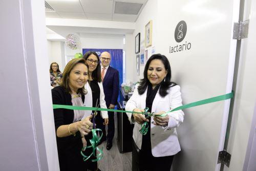 La titular del Mimp inaugura el nuevo lactario institucional en Falabella
