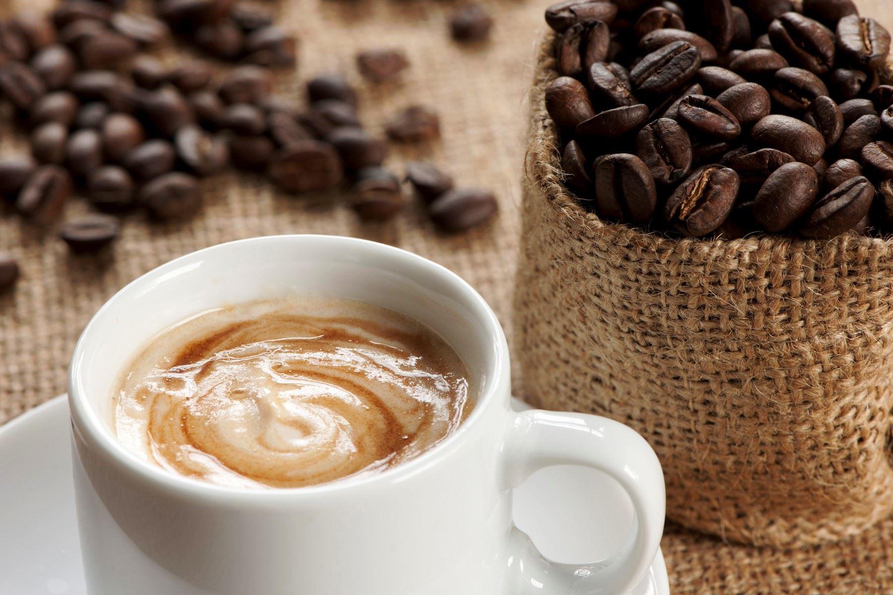 Día del café: productores del VRAEM entregarán 10 mil tazas de café gratis. Foto: ANDINA/Difusión.