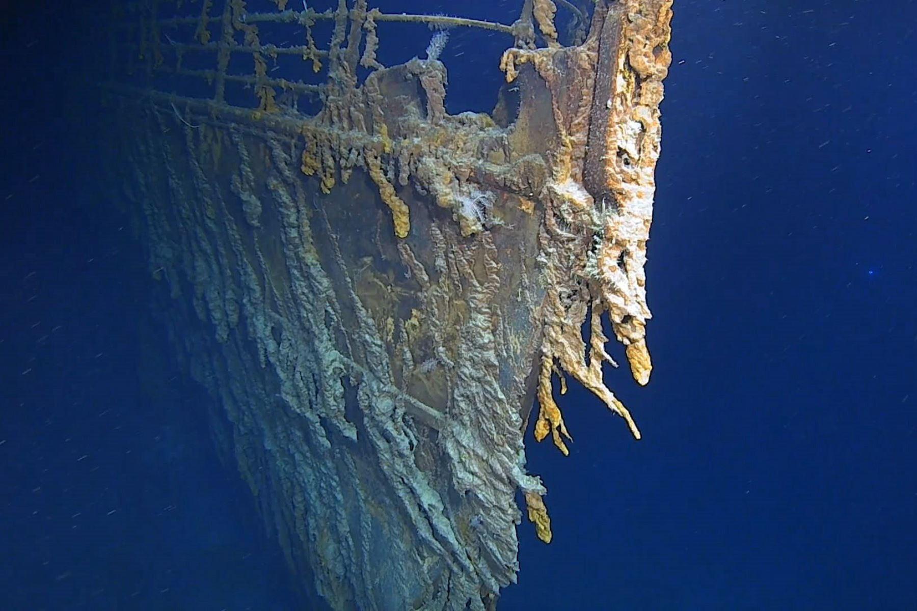 Atlantic, 22/08 / 2019.- Una foto de folleto sin fecha puesta a disposición por Atlantic Productions el 22 de agosto de 2019 muestra la proa del barco Titanic, así como los rustículos desprendidos debajo del ancla de babor del RMS Titanic, fuera del costa de Terranova, Canadá, en el Atlántico (emitido el 22 de agosto de 2019). EFE