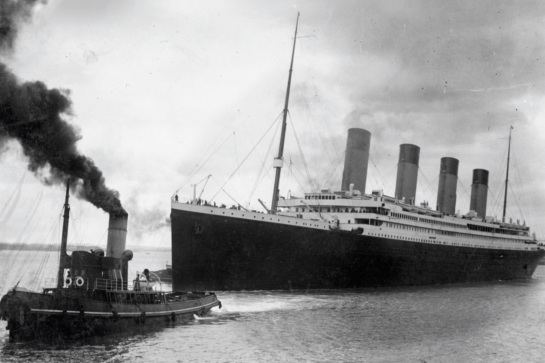 Una foto del folleto recibida del Ayuntamiento de Southampton el 4 de abril de 2012 muestra el Titanic saliendo de Southampton en su desafortunado viaje inaugural el 10 de abril de 1912. Un siglo después desde que el barco más grande jamás construido se hundió en el fondo deL mar. AFP