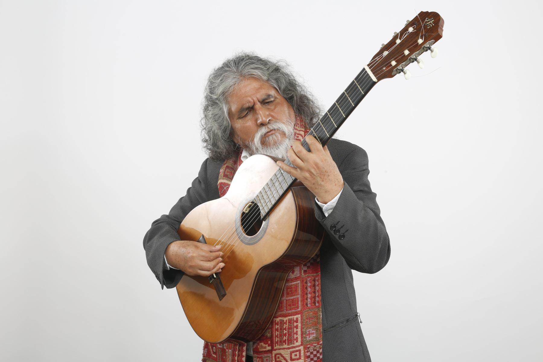 Manuelcha Prado se prepara para celebrar sus 50 años de trayectoria en diciembre.