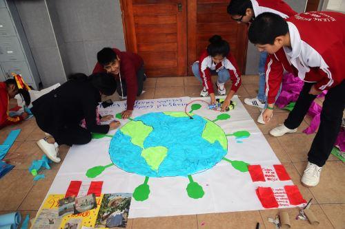 """Minedu y Unicef culminaron inciativa  """" La onda de mi cole """" que movilizó a escolares de Lima, Loreto y Huancavelica"""