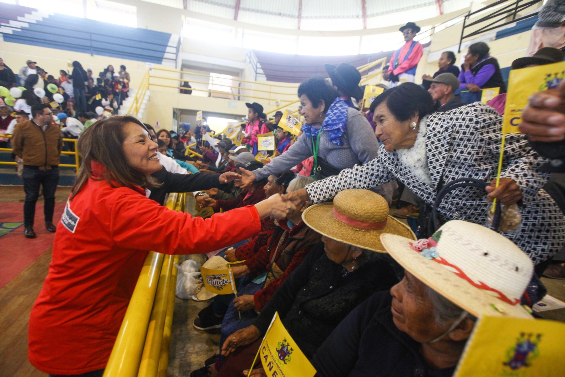 Ministra Paola Bustamante participó en el Tercer Encuentro Provincial de Saberes Productivos de Pensión 65, en la provincia de Cañete.Foto:ANDINA/ MIDIS