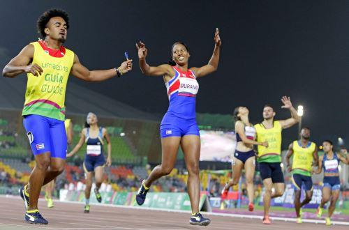 Para deportista cubana más veloz del mundo gana medalla de oro en los 200 metros