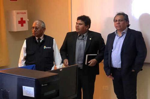 El viceministro de Gestión Institucional del Minedu, Guido Rospigliosi, se reunió con funcionarios del Gobierno Regional de Moquegua.