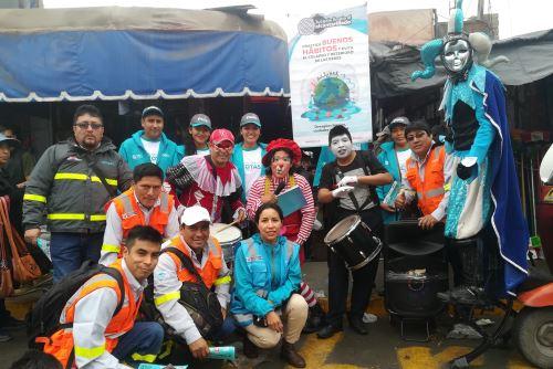 Pobladores de las provincias de Pisco (Ica) y Barranca (Lima) fueron concientizados sobre el uso adecuado de las redes de desagües.