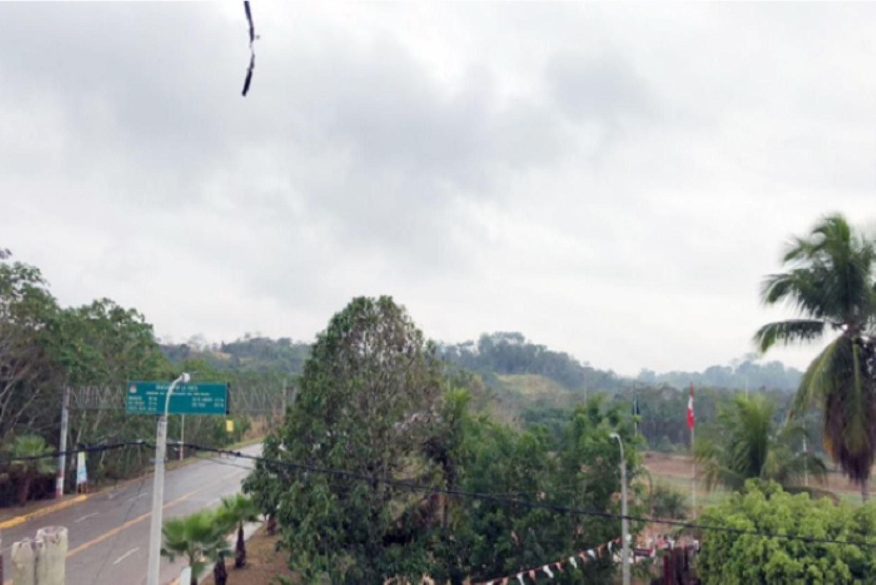 Los niveles de material particulado en el ambiente del distrito de Iñapari, provincia de Tahuamanu, región Madre de Dios, debido a los incendios forestales que se registran, disminuirían durante el resto del día, informó el Ministerio del Ambiente (Minam).