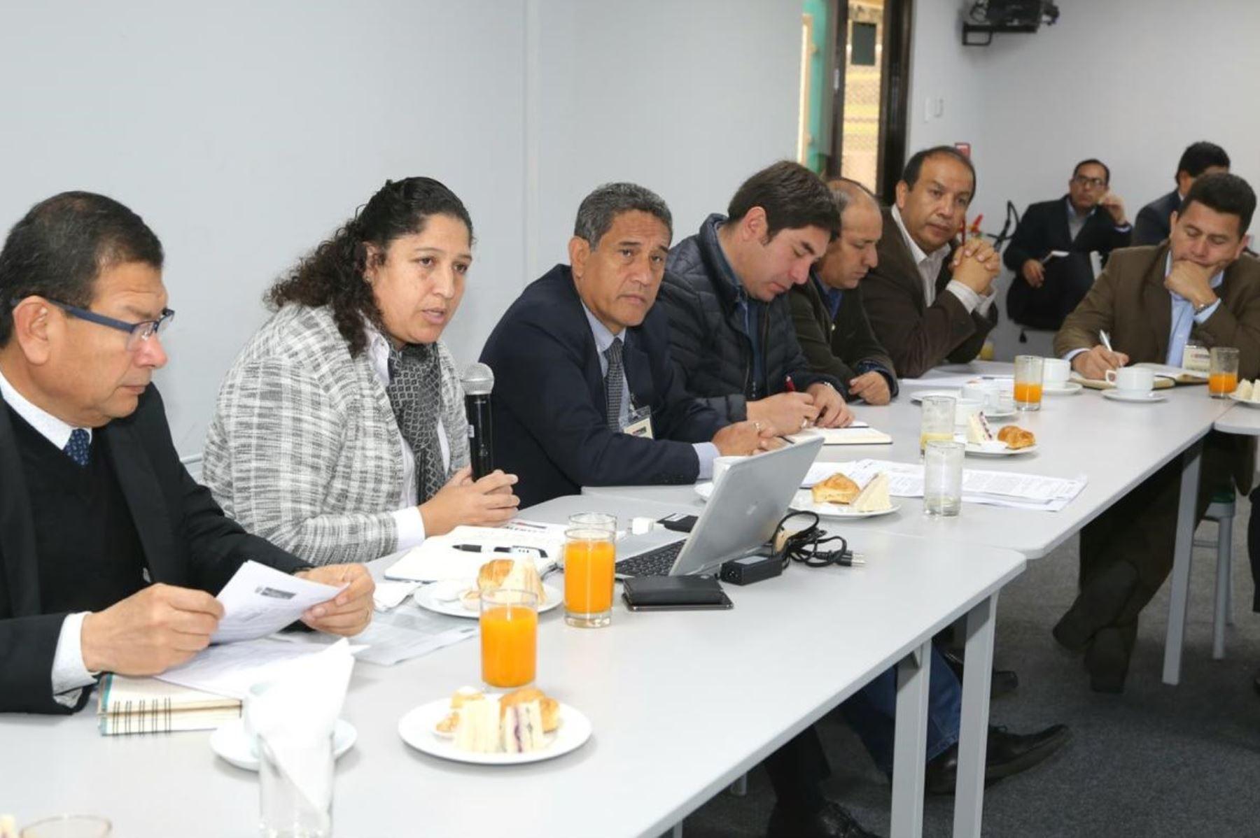 Ministra de Agricultura, Fabiola Muñoz, dialogó con el gobernador regional de Cajamarca, Mesías Guevara, y su equipo técnico. ANDINA/Difusión.