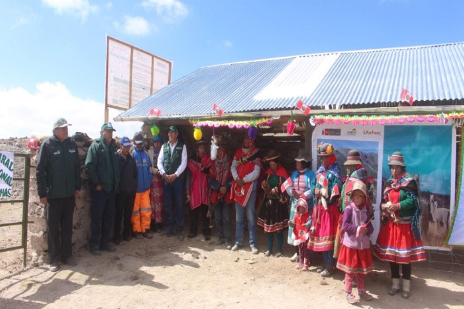 Ayacucho: Minagri inició entrega de 30 cobertizos en provincia de Parinacochas