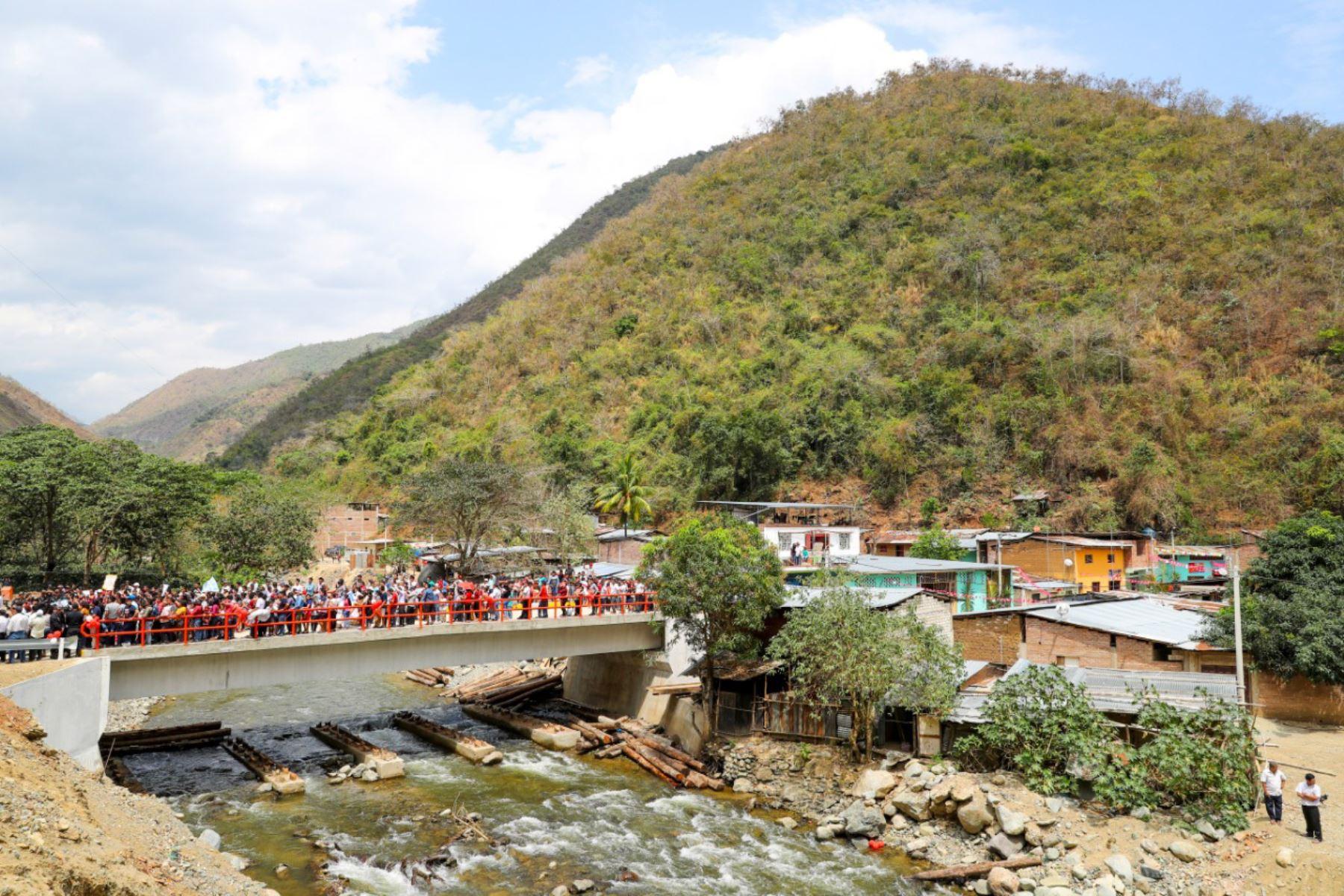 El MTC inauguró las obras de renovación del puente sobre la quebrada Paramillo, en el distrito de San José del Alto (Cajamarca).
