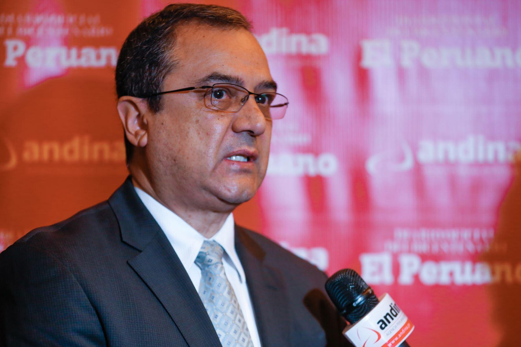 Ministro de Economía y Finanzas, Carlos Oliva. ANDINA/Renato Pajuelo