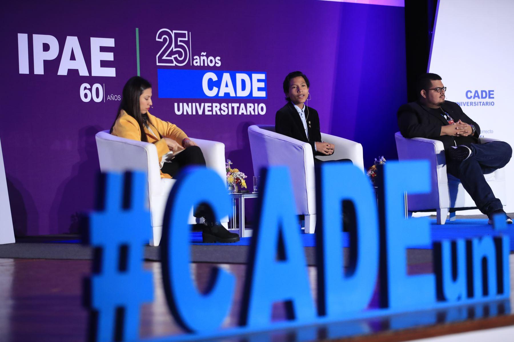 José Quisocala, fundador del Banco del Estudiante Bartselana durante su exposición en el Cade Universitario 2019.  Foto: ANDINA/Juan Carlos Guzmán Negrini