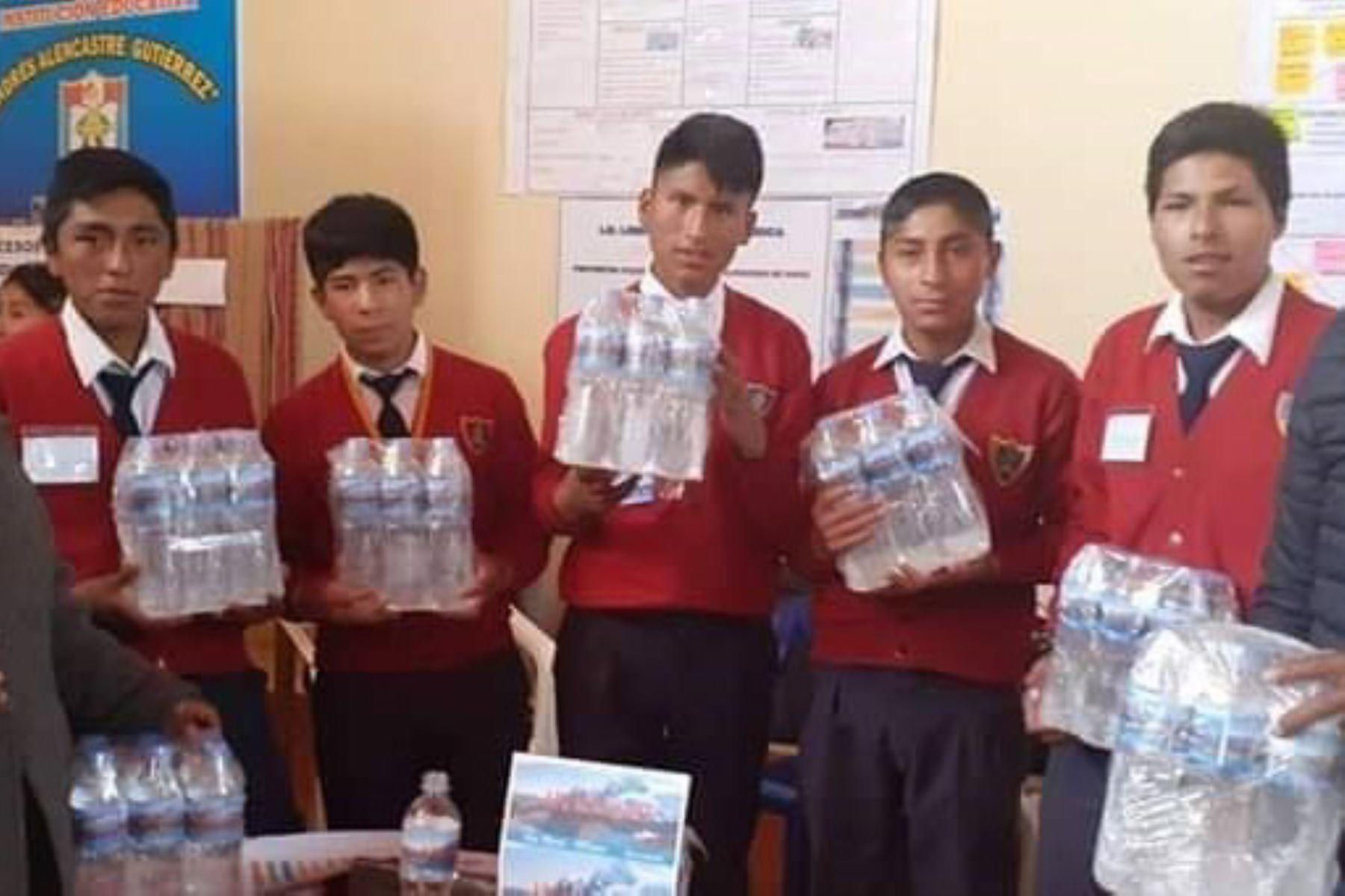 Escolares de Cusco innovan con agua mineral proveniente del nevado Ausangate.