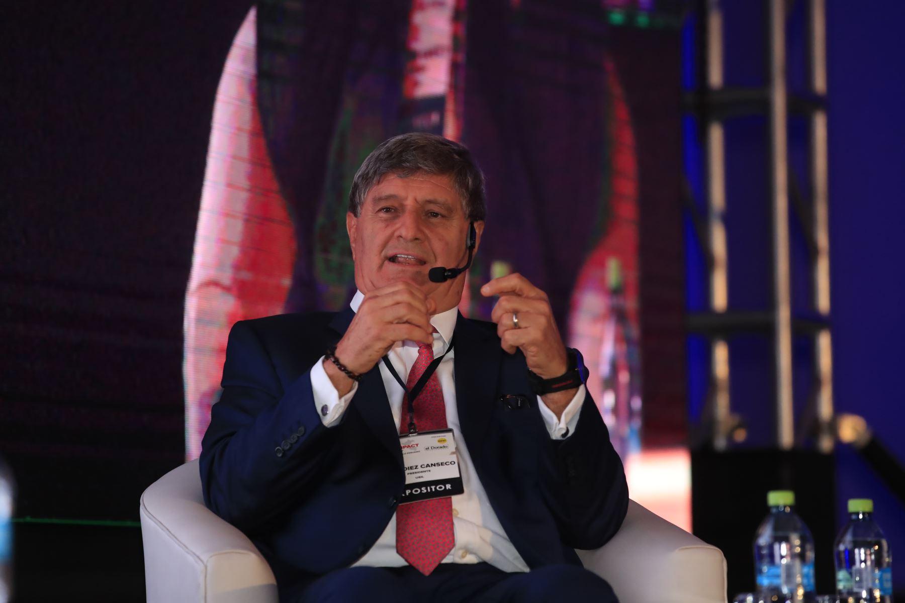 Raúl Diez Canseco, presidente de USIL, durante su exposición en el foro: Perú CEO Impact Summit   Foto: Andina/Juan Carlos Guzman Negrini