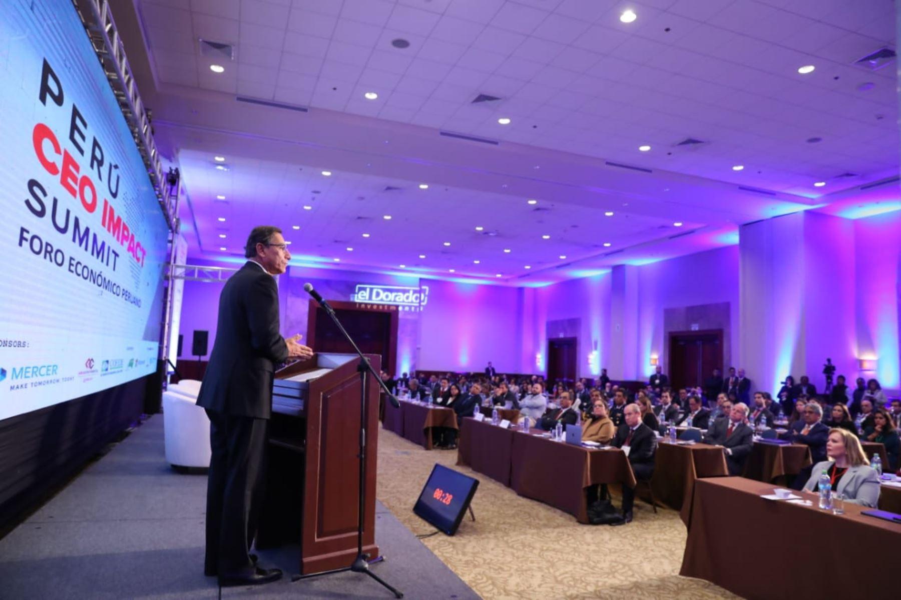 """Jefe de Estado, Martín Vizcarra, clausura el Foro Económico Peruano """"Competitividad para el Desarrollo"""".Foto:ANDINA/Prensa  Presidencia"""