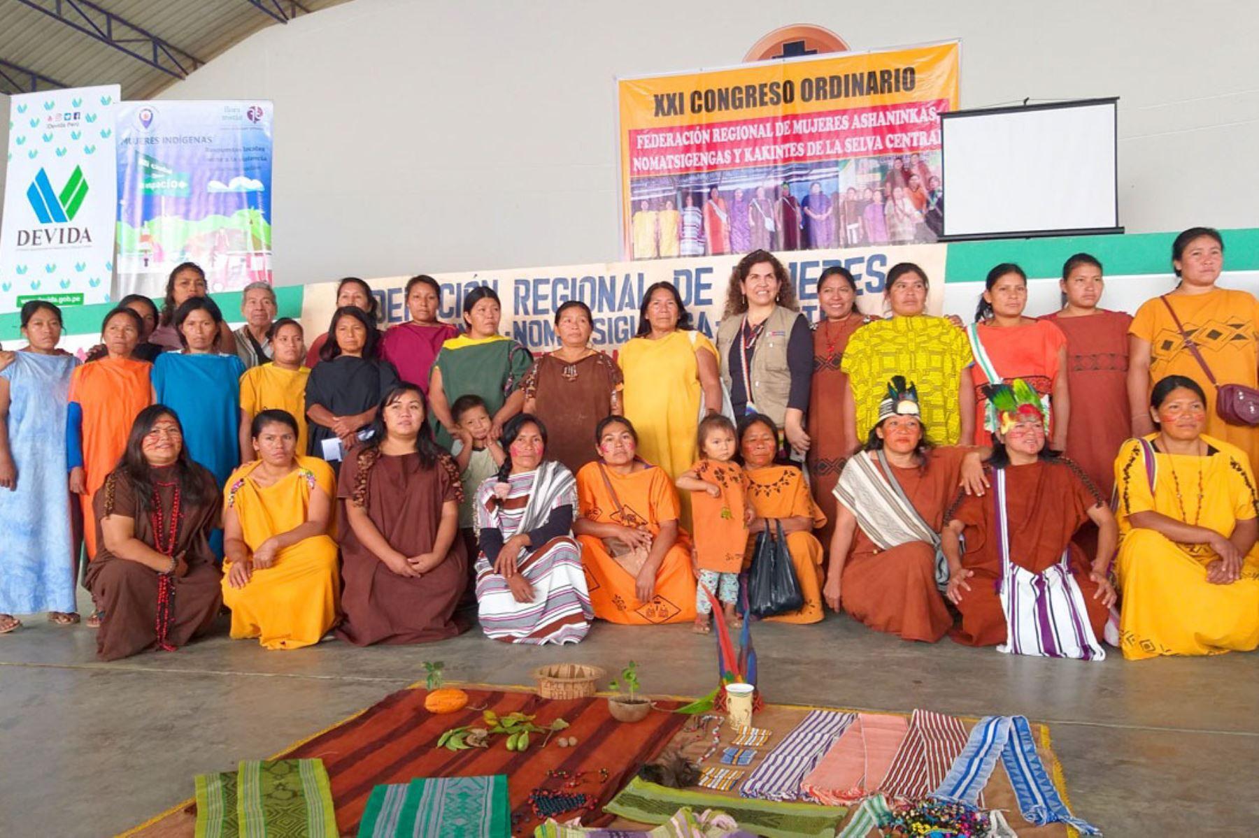 Mujeres indígenas de la selva central demandan erradicación de los cultivos de coca ilegal y piden más seguridad.
