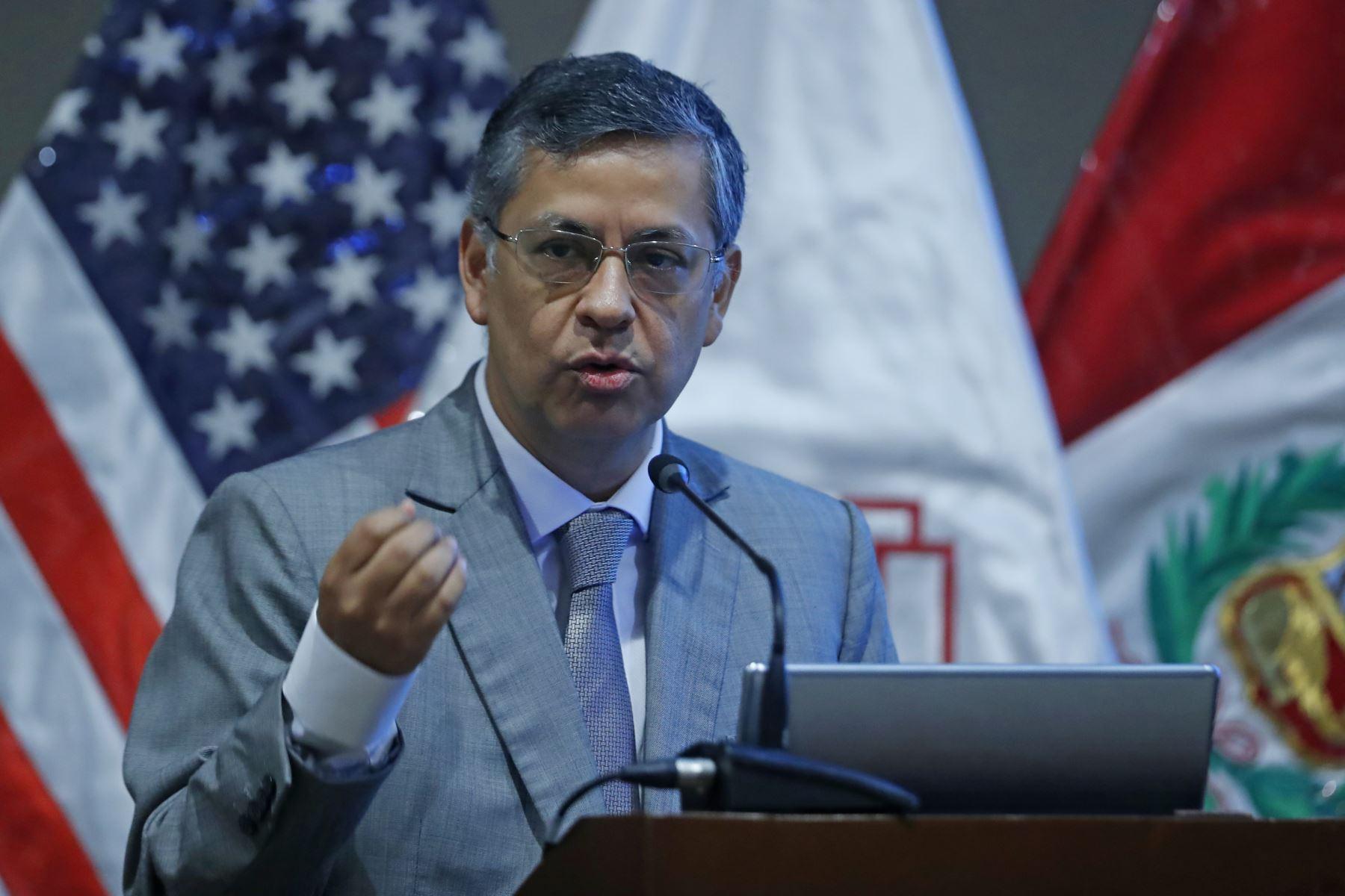 Adrián Armas, gerente de Estudios del BCR en Foro Económico 2019: