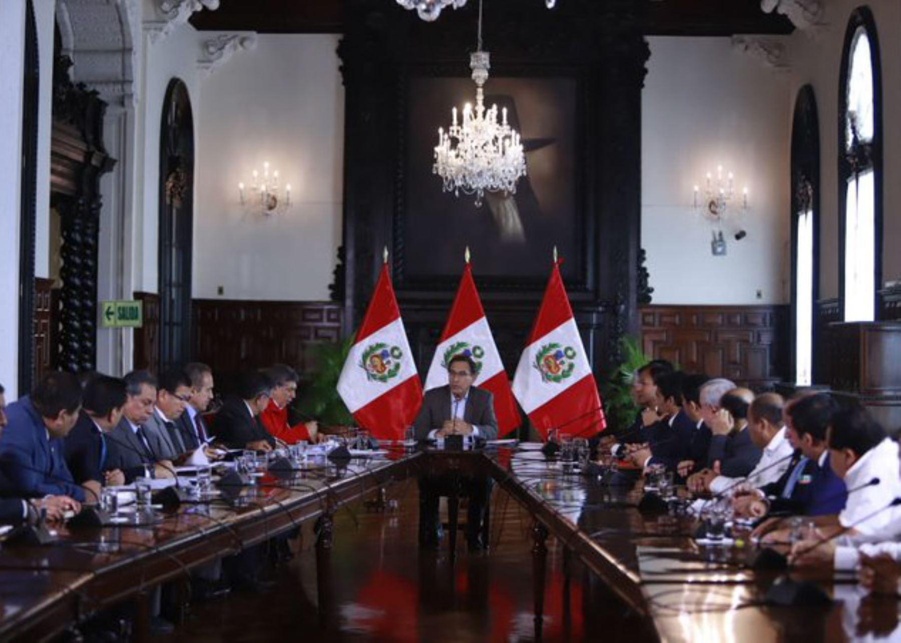 Presidente Martín Vizcarra se reúne con autoridades de la región Piura.