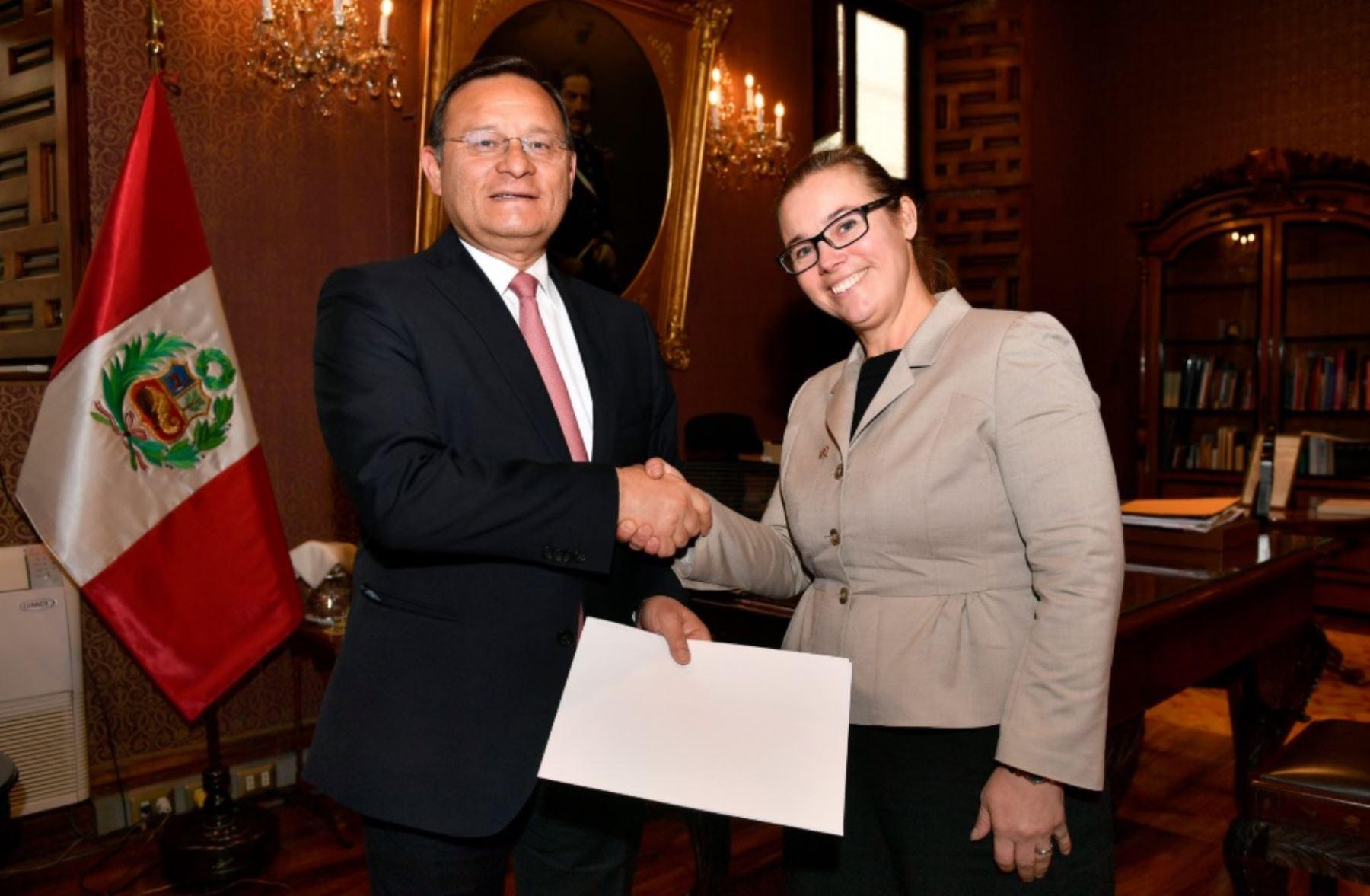 Canciller Néstor Popolizio recibe Cartas Credenciales de embajadores de Grecia y Suecia.