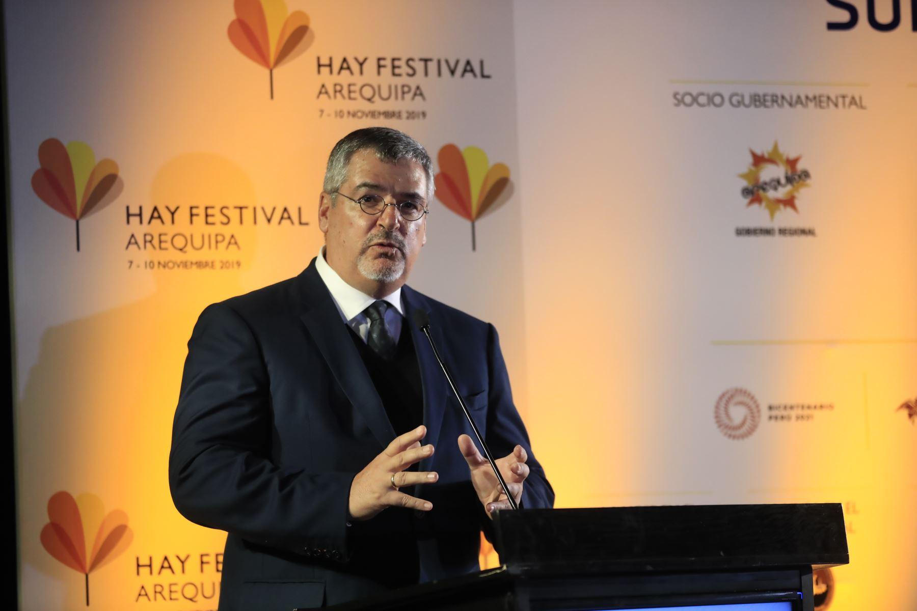 Ministro de Cultura Luis Jaime Castillo, durante el lanzamiento del Hay Festival.  Foto: Andina/Juan Carlos Guzman Negrini