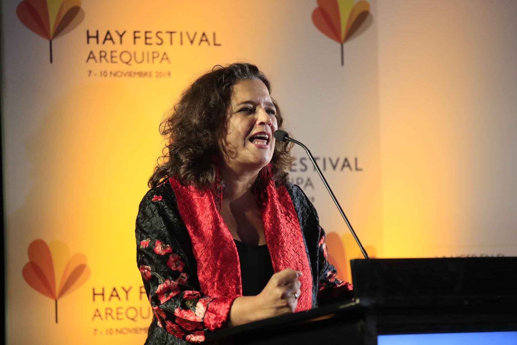 Cristina Fuentes, durante el lanzamiento del Hay Festival.  Foto: Andina/Juan Carlos Guzman Negrini