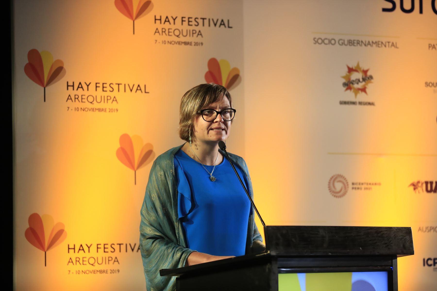 Embajadora Británica, Kate Harrisson, durante el lanzamiento del Hay Festival.  Foto: Andina/Juan Carlos Guzman Negrini